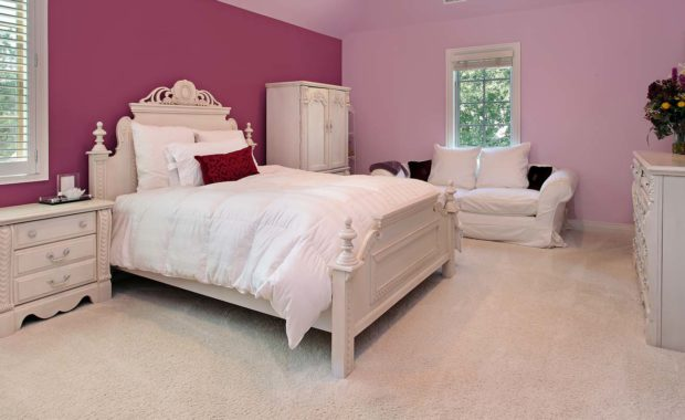 a bedroom that received steam free carpet cleaning